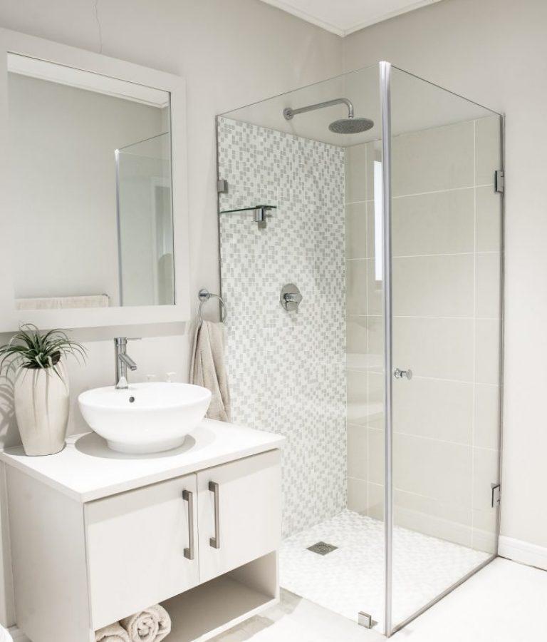 Aluminium Showers
